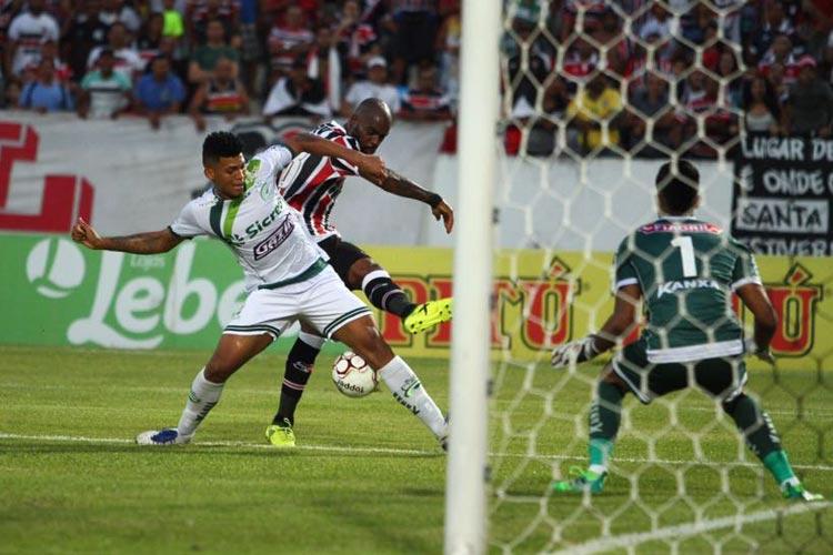 Sem força ofensiva, Santa Cruz fica no empate com Luverdense e se complica contra a queda