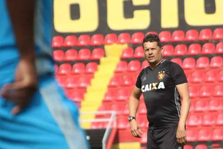 Com um reforço e salários atrasados, Sport volta a campo contra Ceará e aposta na entrega